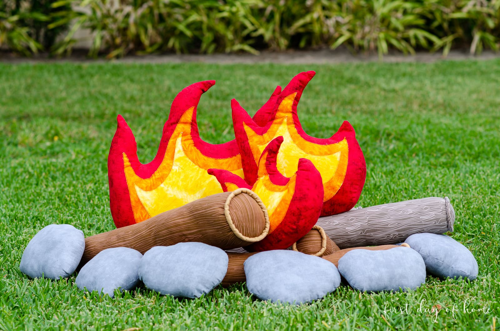 Pretend campfire set for kids with flames, logs and stones