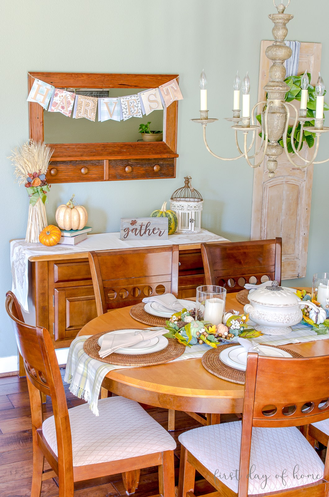 Breakfast room decorated for fall