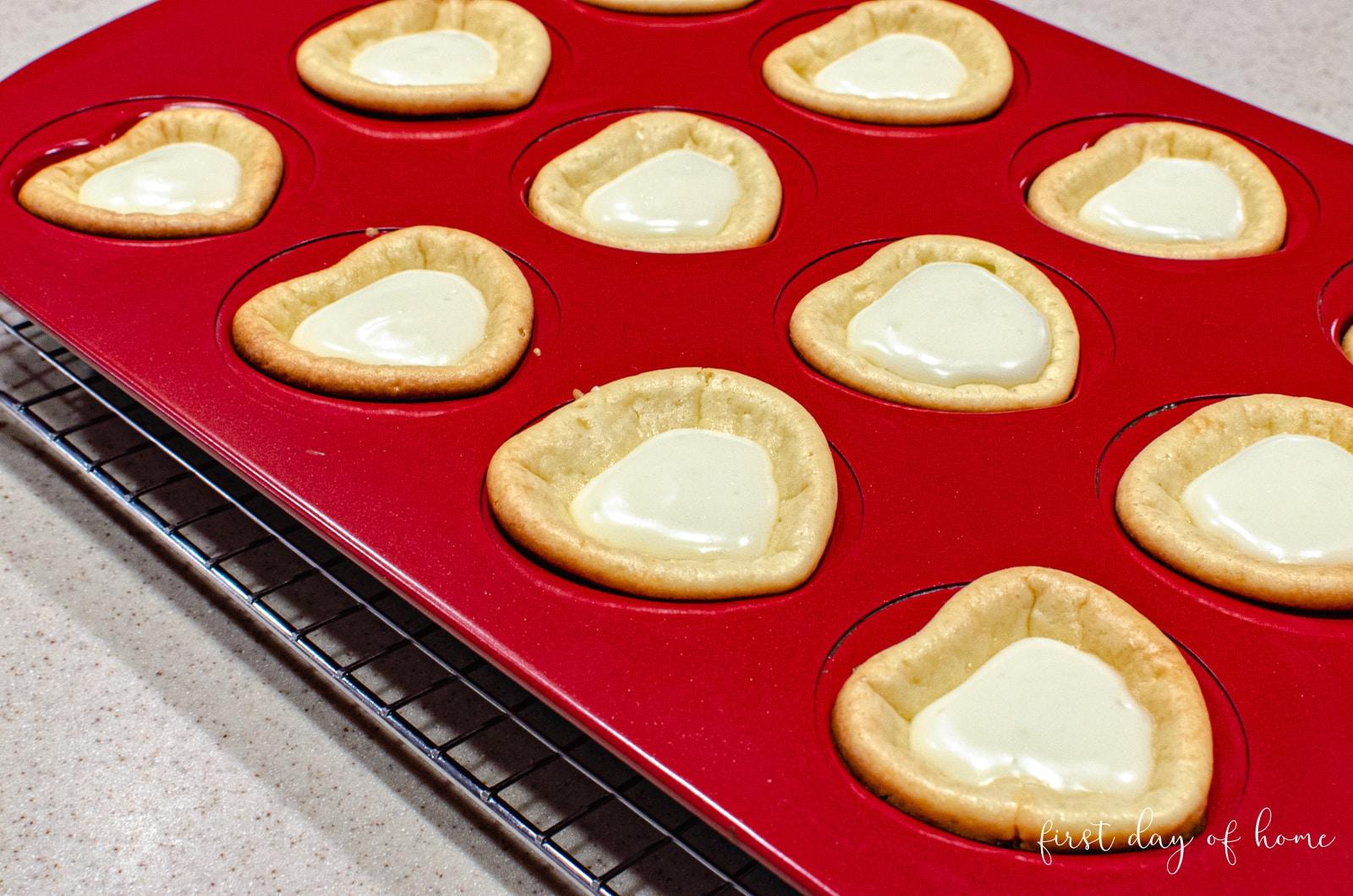 Heart shaped cheesecake mini cupcakes