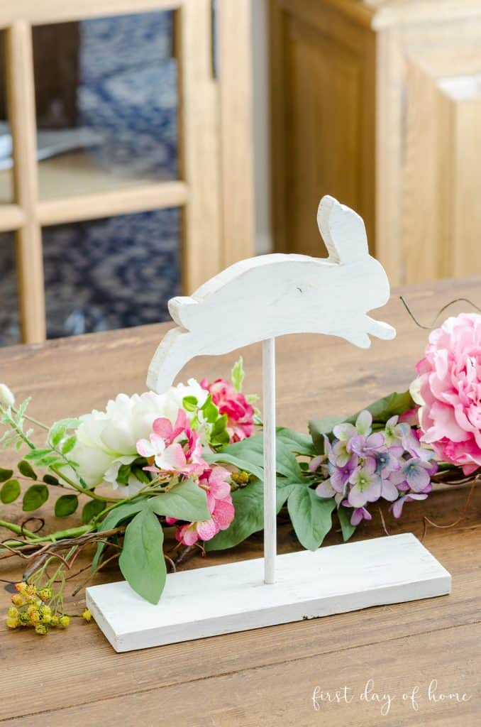 DIY wooden Easter bunny decor on tablescape