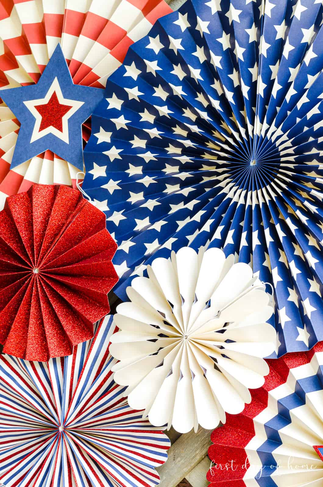 Patriotic paper fans for 4th of July decorating ideas