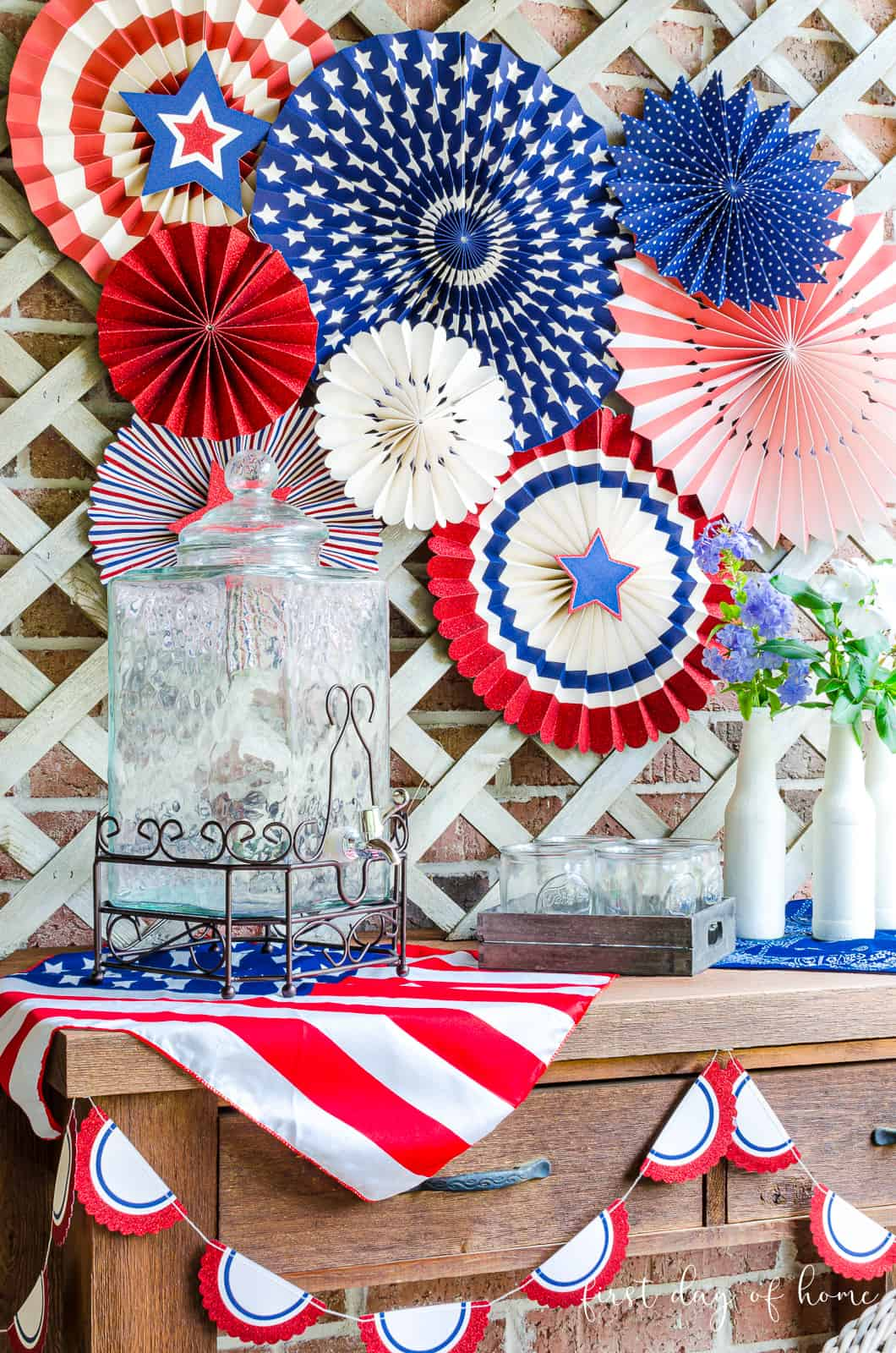 Potting table with 4th of July decorations