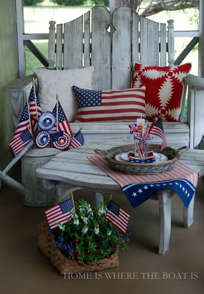 4th of July sitting area with red, white and blue theme