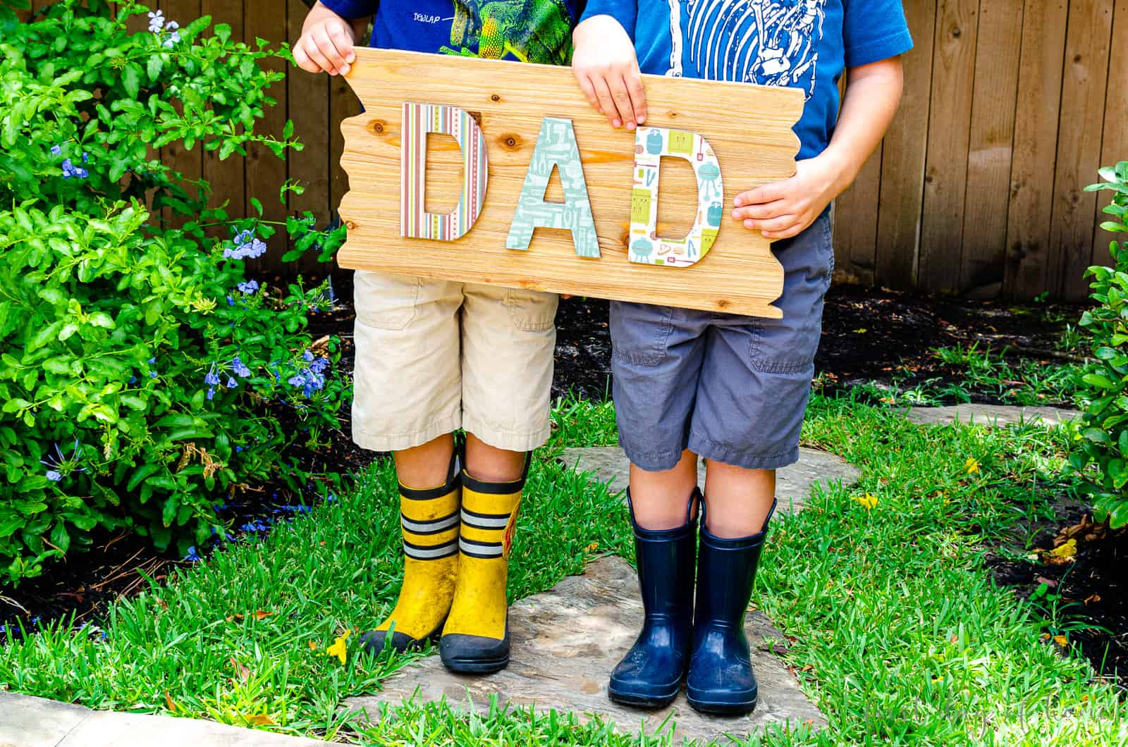 Dad sign for Father's Day made as a decoupage wood sign project