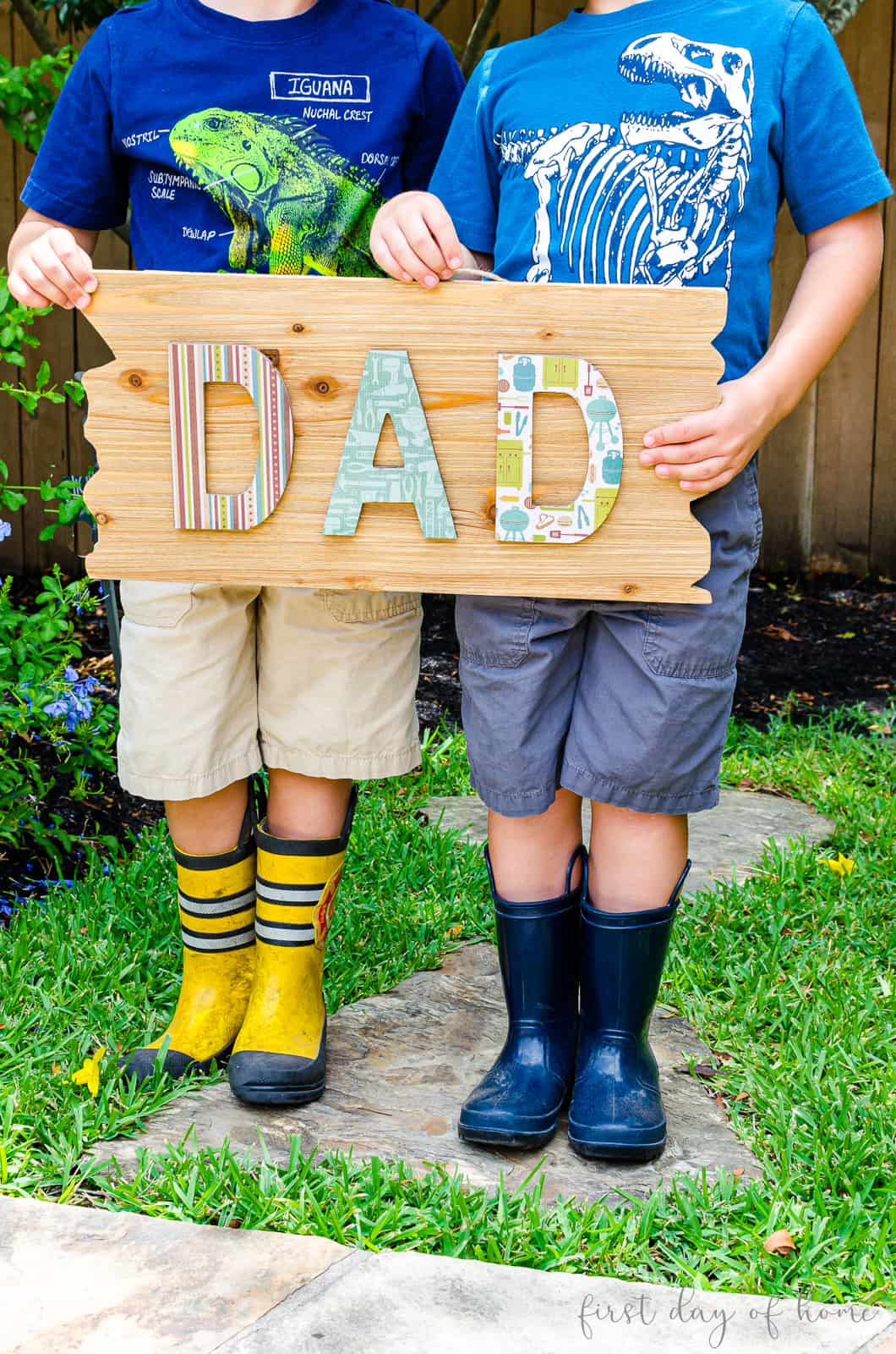 "DIY decoupage wood sign that reads ""Dad"""