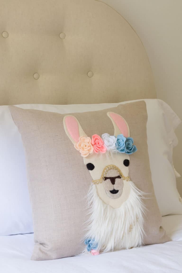 Llama DIY pillow tutorial - Kippi at Home - Tuesday Turn About Link Party