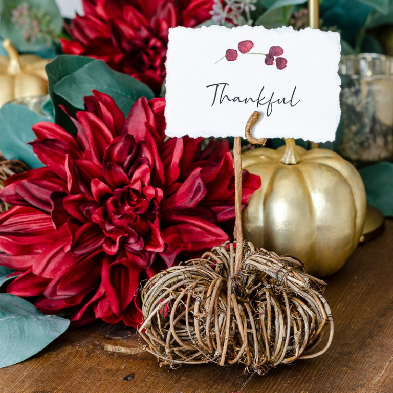 An Elegant Thanksgiving Tablescape Made Easy