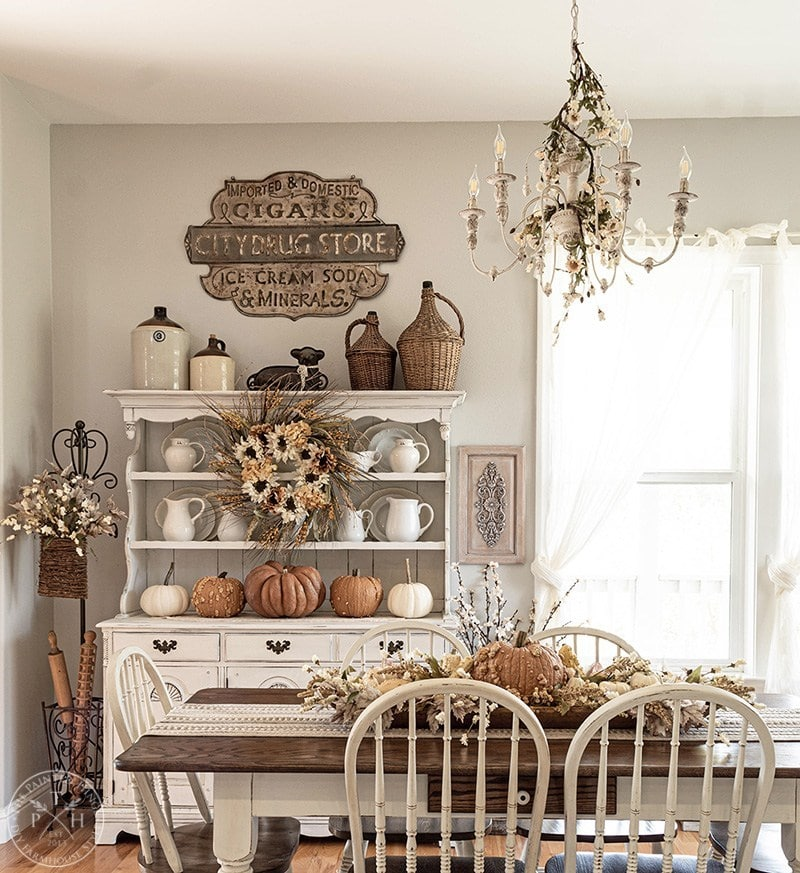 The Painted Hinge fall dining room