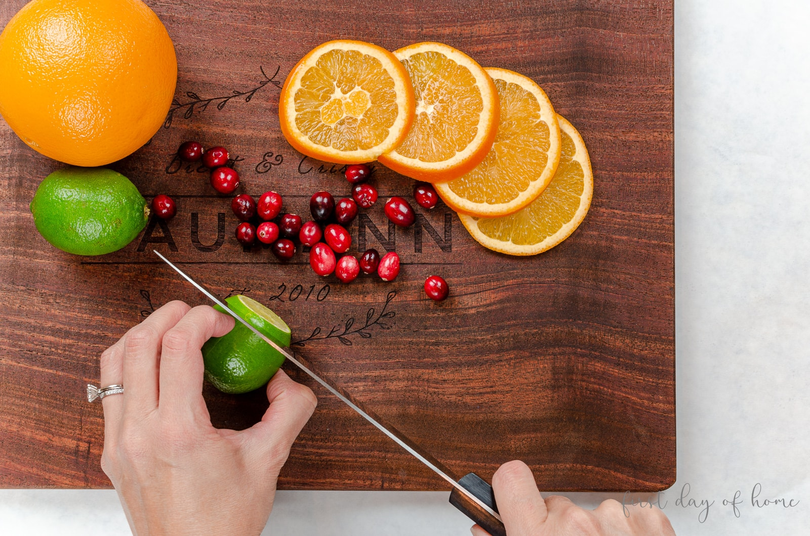 Christmas punch with alcohol and citrus fruit