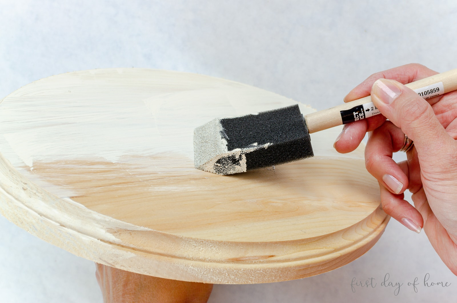 Painting DIY cake stand
