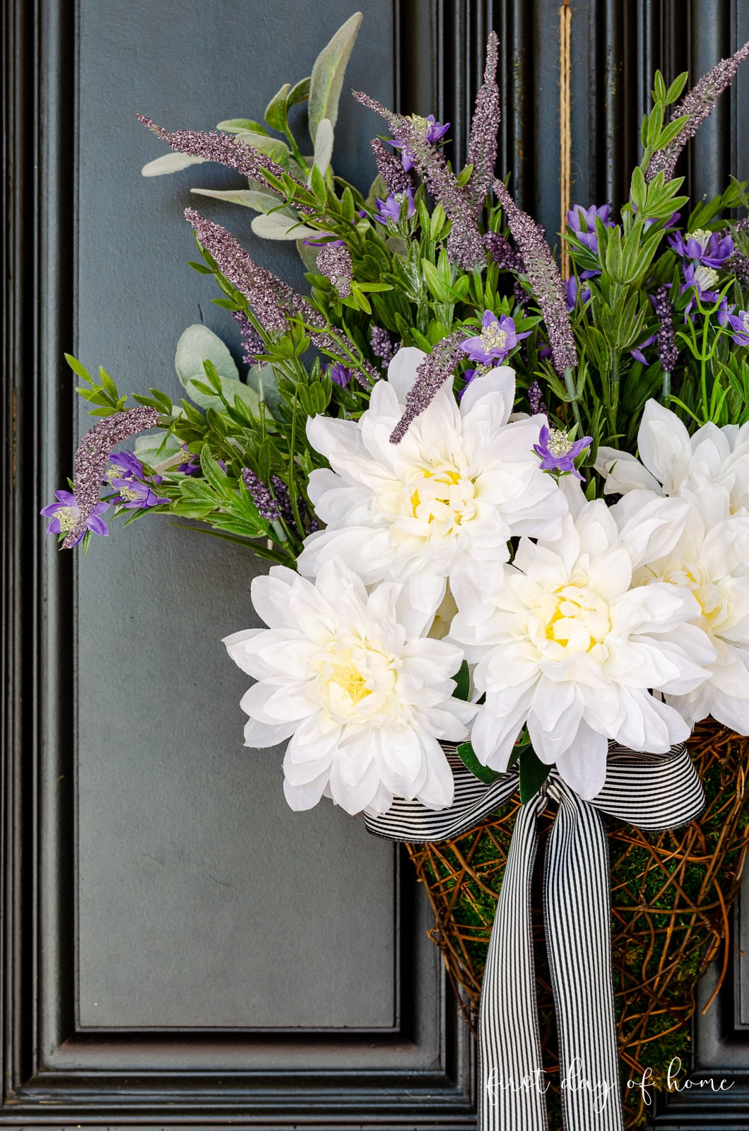 DIY wreath with lavender, dahlias and lamb's ear in a basket with farmhouse ribbon