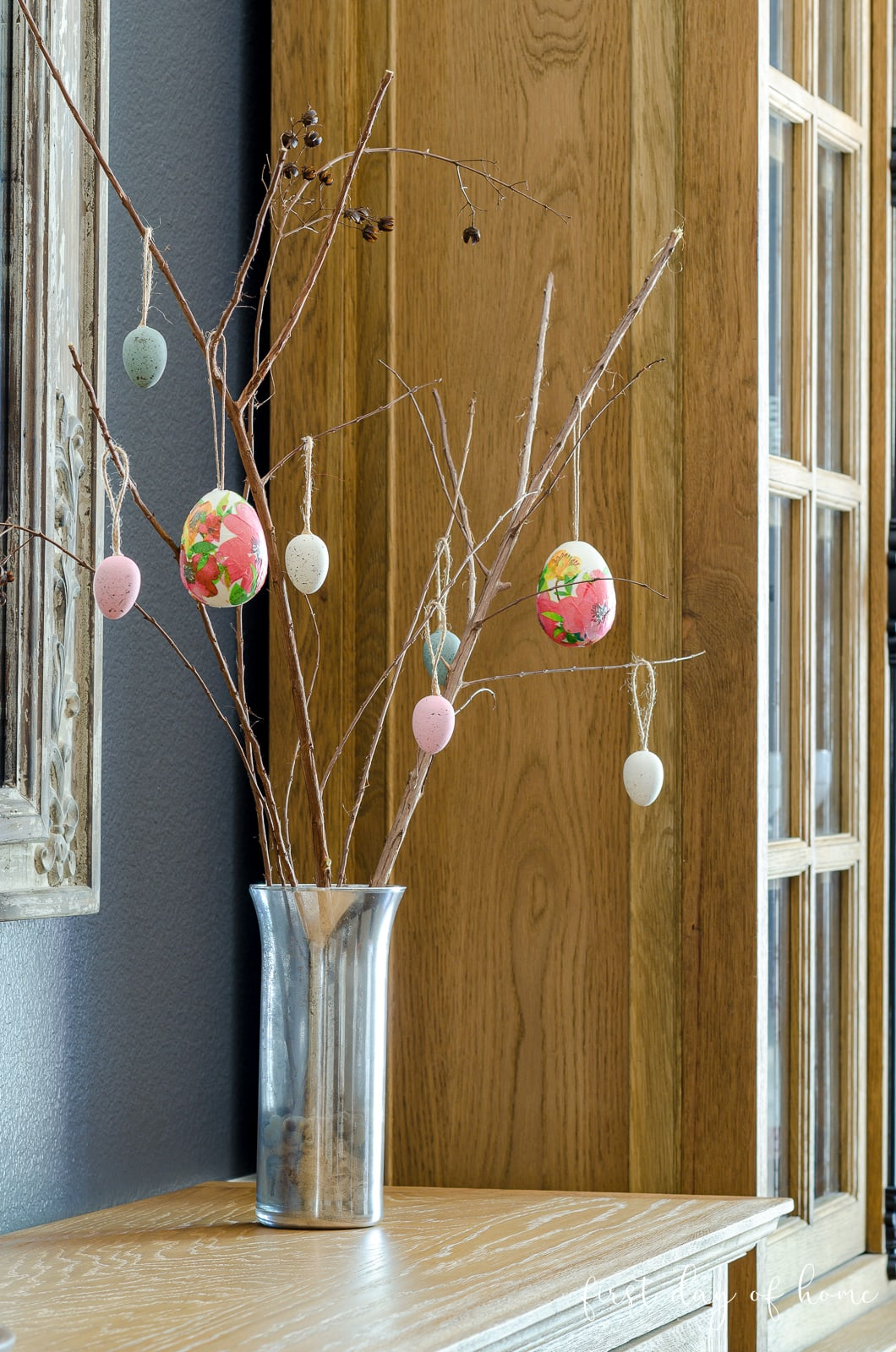 Easter tree with decoupage Easter eggs