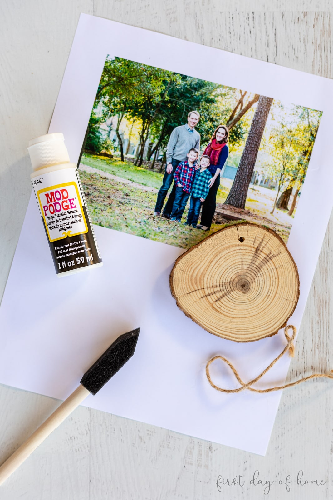 Family photo with wood slice ornament and Mod Podge image transfer medium supplies for photo transfer to wood