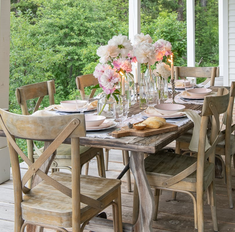 Summer dining table with bottle centerpiece from Sanctuary Home Decor