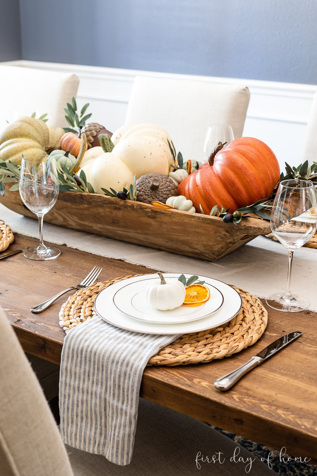 Fall place setting for fall table decor