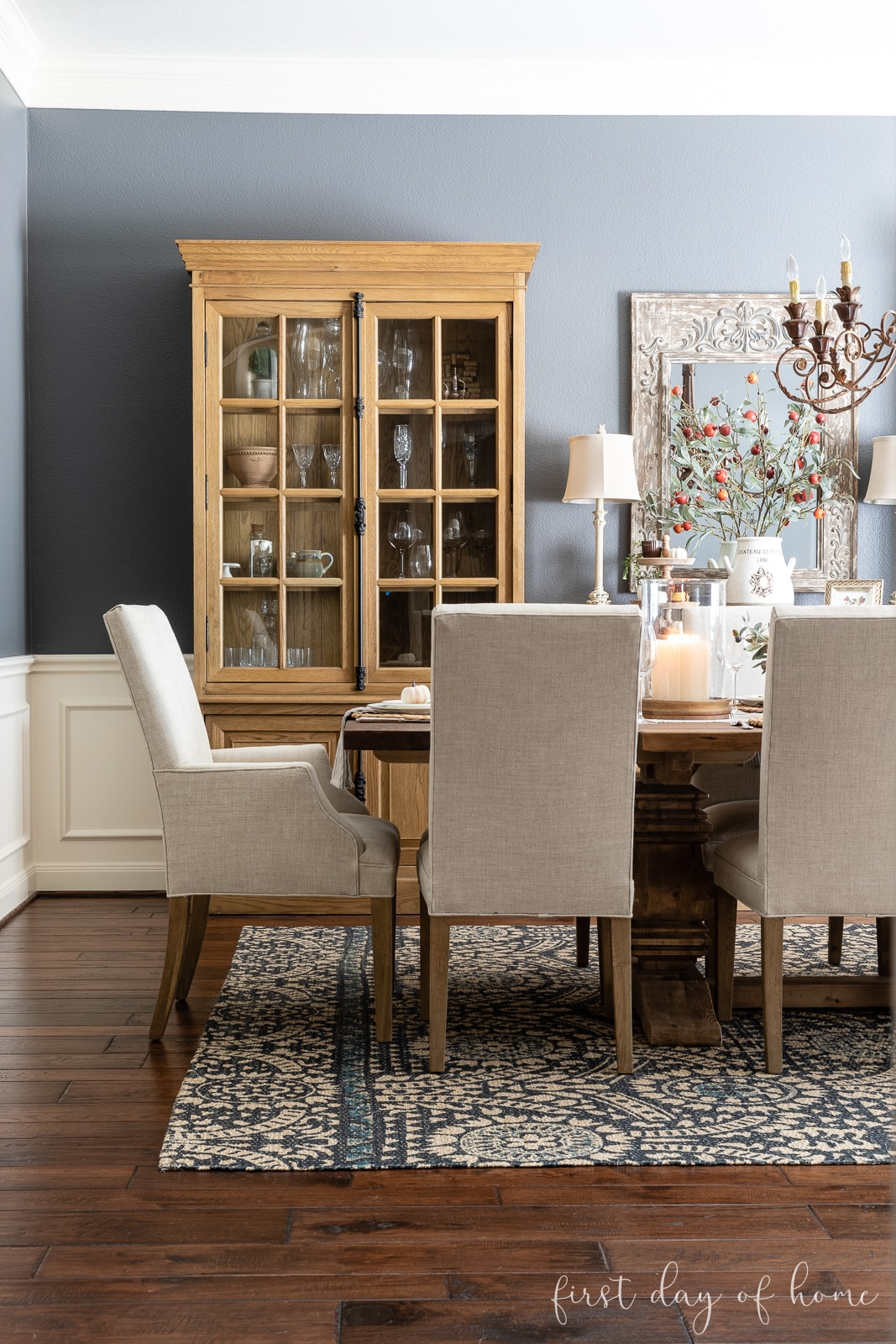 Dining room with fall table decor